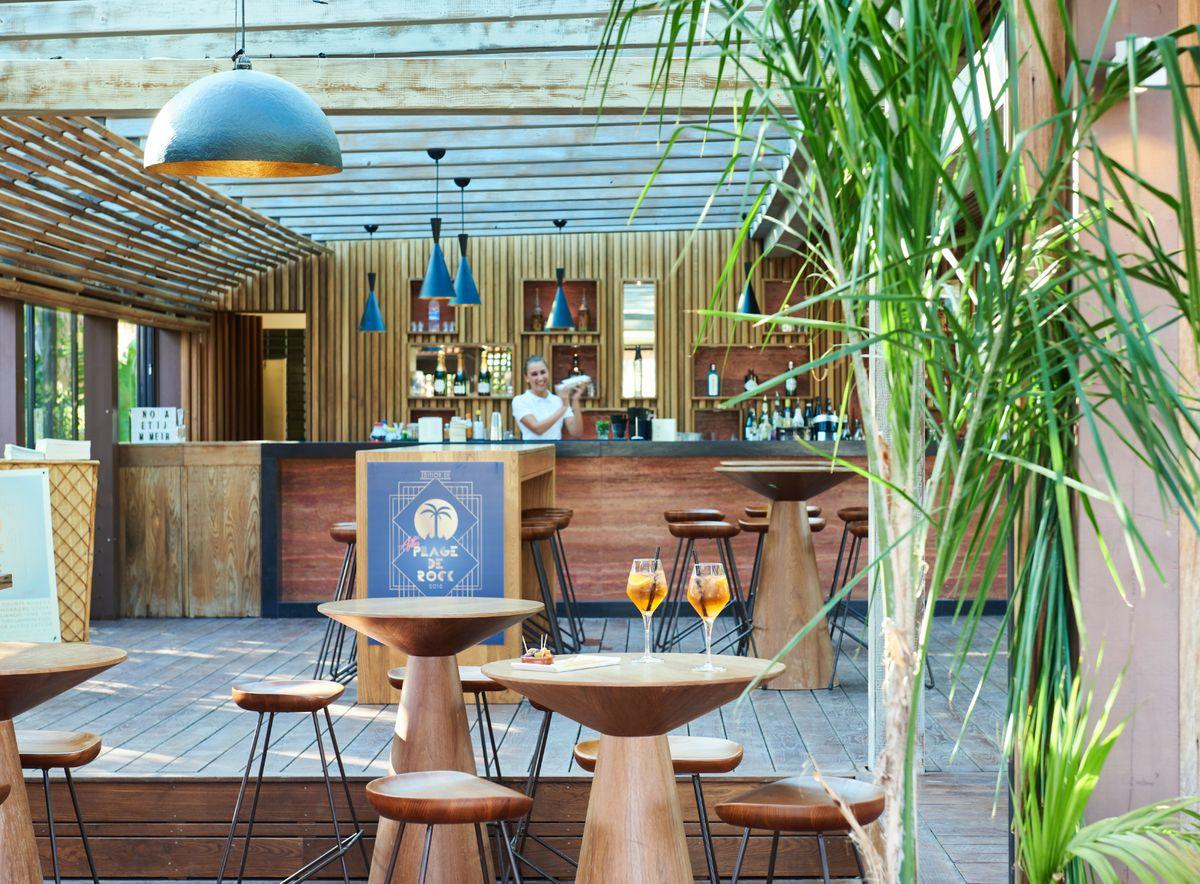 Bar et restaurant au camping Les Prairies de la Mer